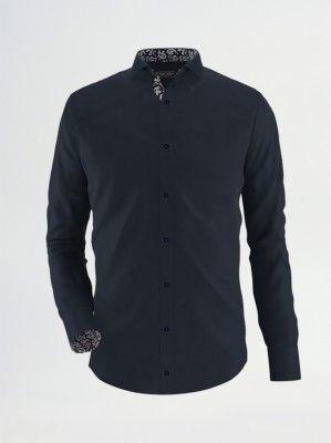 Camasa neagra Exclusive Brands, din bumbac, slim fit, cu imprimeuri pe interiorul gulerului si mansetelor.O camasa casual care iti ofera originalitate.