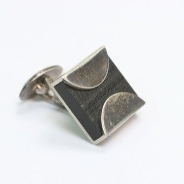 Bertel Gardberg / Kalevala Koru ~Silver, ebony, rosewood vintage #cufflink.   KalevalaKoru.nemein.net