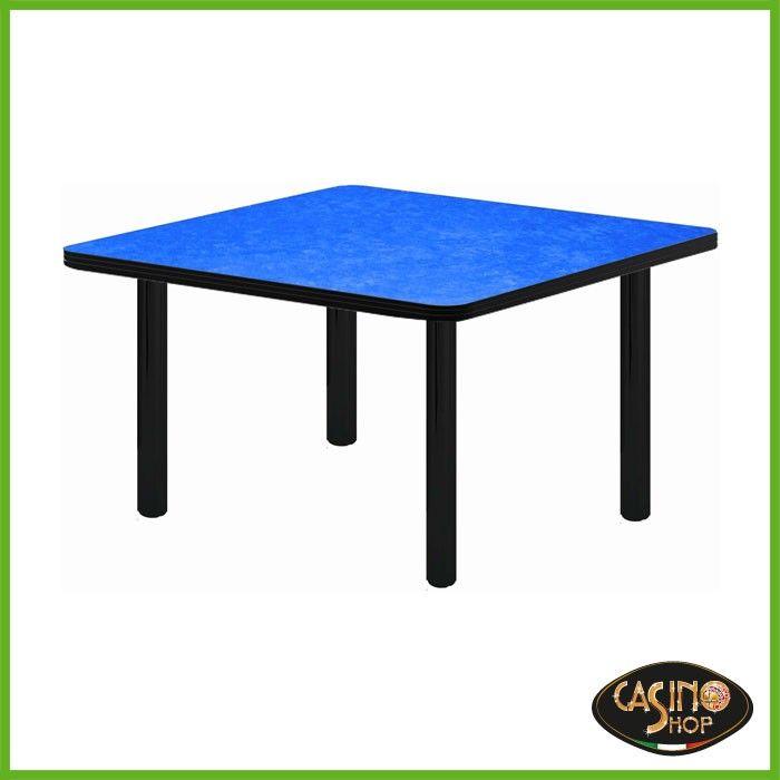 ART.0137 Tavolo da burraco. Tavolo da gioco con gambe di metallo dal diametro di 6cm. Il tavolo è costruito in legno e il piano è rivestito con un panno in microfibra dal colore blu.  Dimensioni del Piano: 80x80 cm.  Altezza: 74.5 cm.