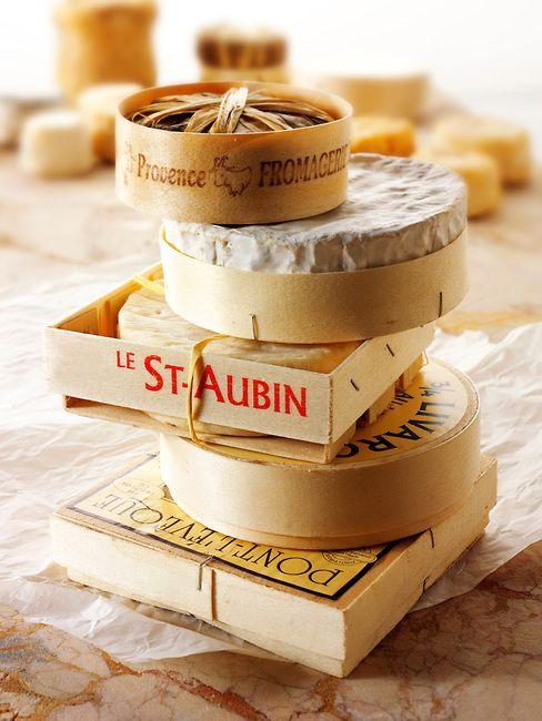 Fromages: banon, camembert, st aubin, livarot et pont l'eveque