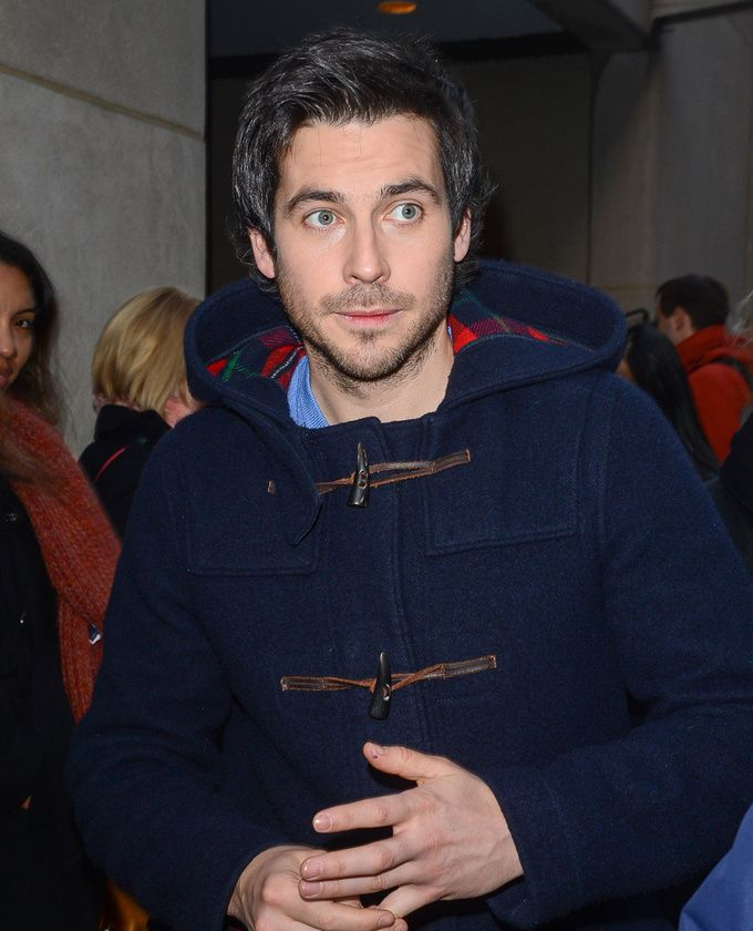Rob James-Collier quittant les studios du « Today Show » à New York en décembre 2012. Aaagh! So much cuteness! Love the coat