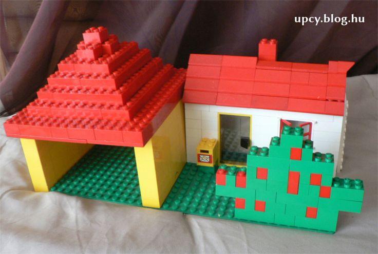 LEGO desktop holder (key, briefcase, phone).  LEGO asztali mindent tartó - kulcs, pénztárca és telefon számára.