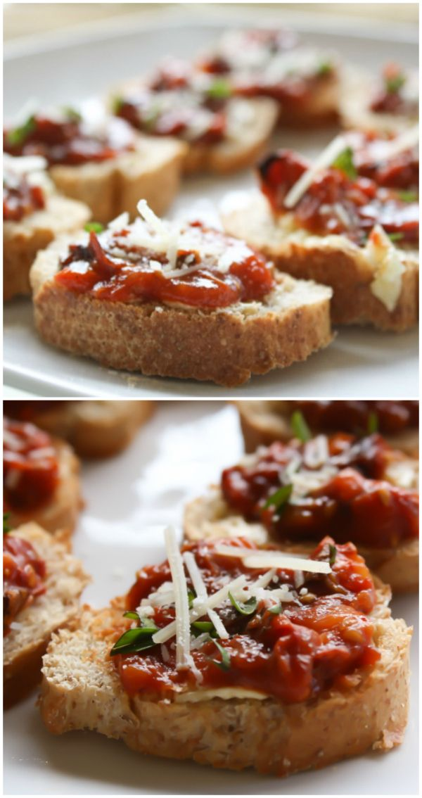 To twist it a bit, I roasted my tomatoes first to produce an absolutely delicious home-made version of sun-dried tomatoes, resulting in Homemade Sundried Tomatoes Bruschetta.