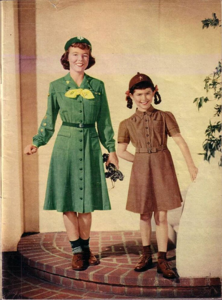 Girl Scout Uniforms history