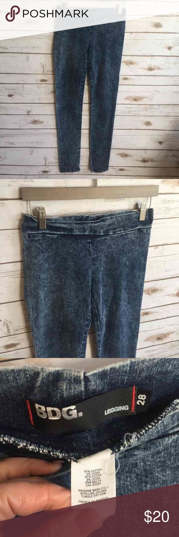 """Urban Outfitters Denim Leggings Acid Wash Urban Outfitters Denim Leggings Acid Wash Excellent condition BDG 29"""" inseam  Thank you for looking and please check out the rest of my closet. Urban Outfitters Jeans Skinny"""