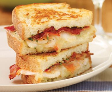 Spicy Shrimp Grilled Cheese with Dofino® Creamy Havarti Slices #sandwich #shrimp