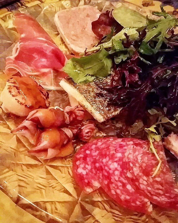 ビストロ晩ごはん #ガニュパン #gagnepain #前菜盛合せ #鯛 #ホタルイカ #ミラノ産サラミ#白美豚と仔鴨のパテ#パルマ産生ハムとアボカド#サラダ #前菜 by kamincino