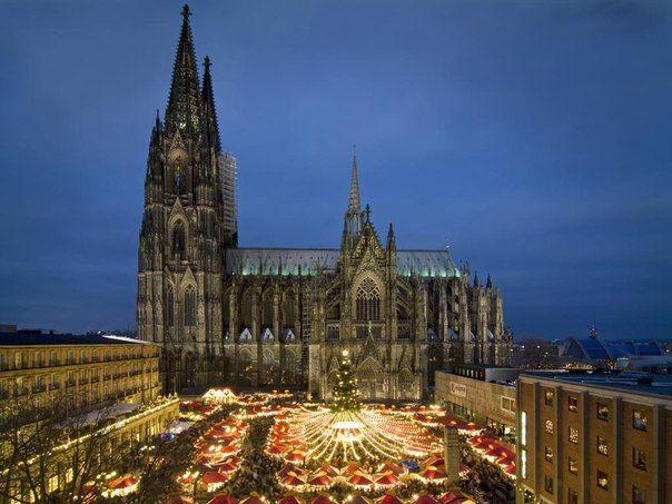 Символом Кельна является Кельнский Собор, самое большое архитектурное сооружение.