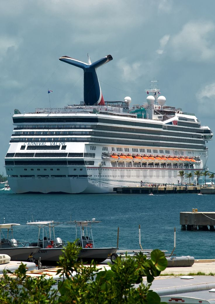 Carnival Valor Cruise Ship My first ever cruise was on ...