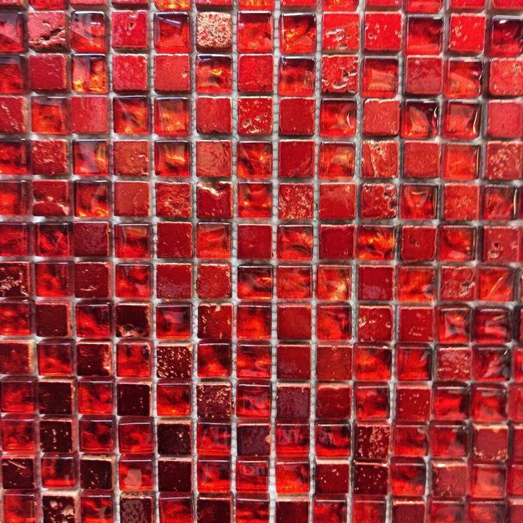Kto lubi takie wyraziste kolory?   #hoff #salonhoff #ilovehoff #hoffdesign #kraków #krakow #płytki #tiles #mozaika #mosaic #wnętrze #łazienka #bathroom #interior #design #bathroomdesign #homedecor #trends #czerwony #red #kolorowo #zainspirujsie
