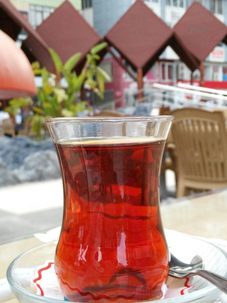 Kumluca çay içerken