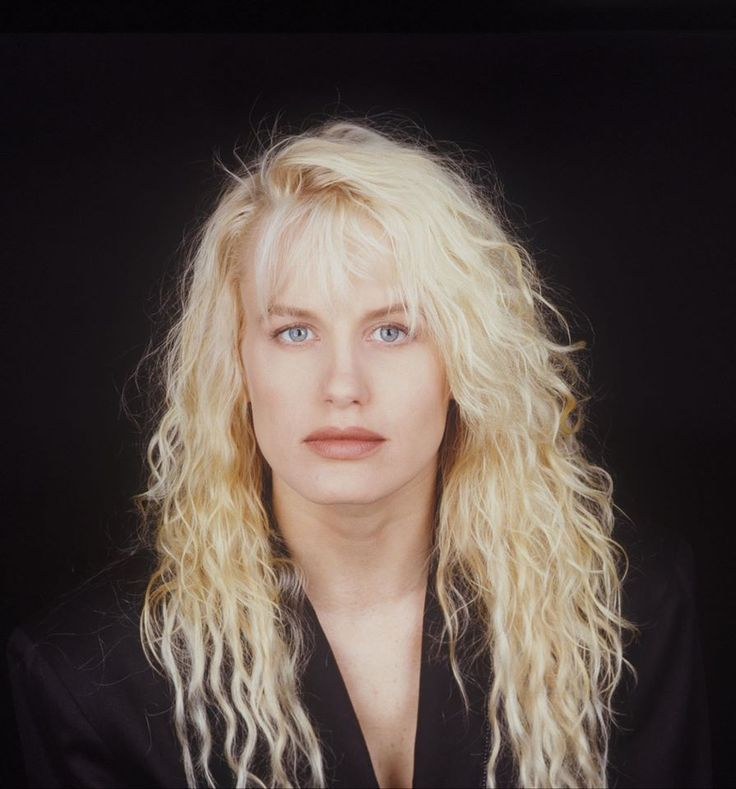 """I wasted so much time scared, self-conscious and insecure."" –Daryl Hannah, who turns 55 today 12/3/15"