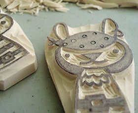 http://media.craftuts.com/thumbs/hand-carved-rubber-stamps-tutorial_1.jpg