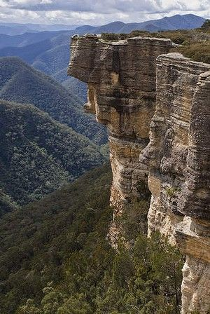 Cliffs at Kanangra Falls, Blue Mountains National Park #Australia
