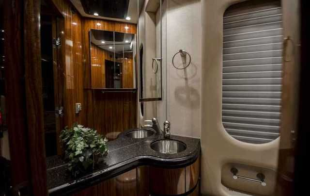 2010 Used Newell Coach P2000i Quad Slide Bath & a Half Class A in Florida FL.Recreational Vehicle, rv, 2010 Newell P2000i Quad Slide Bath and Half 625 HP CAT 72,505 Miles 2 Year Newell Warranty. $888,888At THE MOTORCOACH STORE, we hand pick every motorcoach to insure the highest quality inventory available. All motorcoaches we sell have been completely serviced and detailed unlike bank repos and short sales. We invite you to view this luxury motorcoach inside our showroom in Bradenton…
