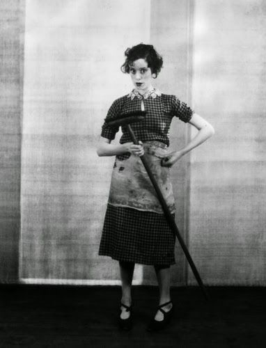 "Vintage Glamour Girls: Elsa Lanchester in "" Outskirts """