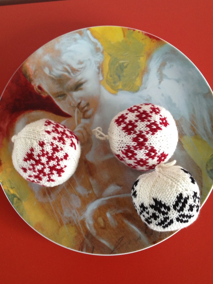 Knitted christmas balls!