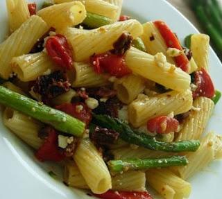 VEGAN Asparagus & Rigatoni w/ Sun-dried Tomatoes   #vegetarian #vegan