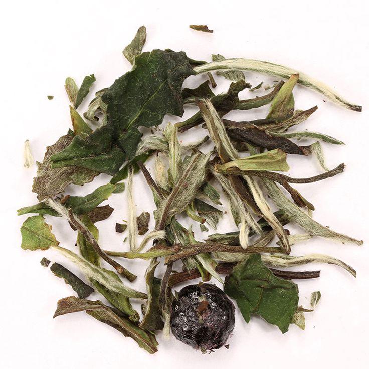 Blanco Arándano // El té blanco arandanos mezcla el sabor de los jugosos arándanos con un té blanco Premium de la provincia de Fujian en China.