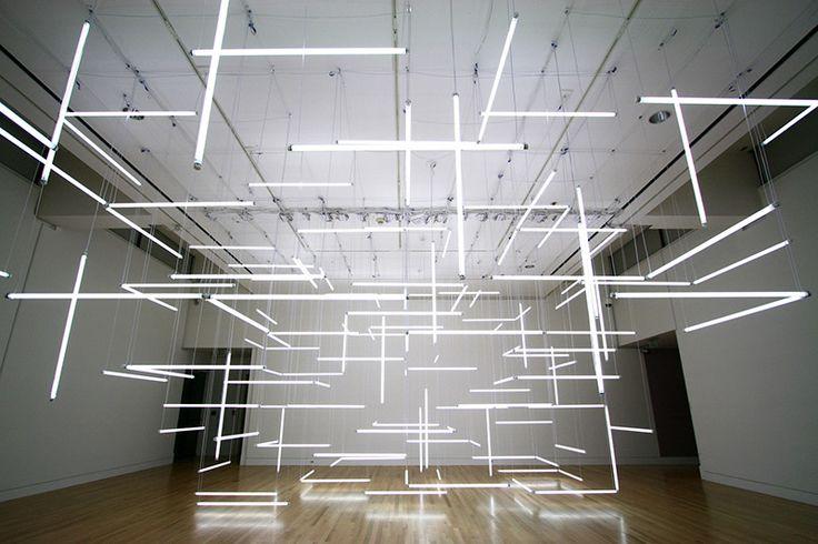 Through Hollow Lands est une installation qui date de 2012 et réalisée par Etta Lilienthalet Ben Zamora.