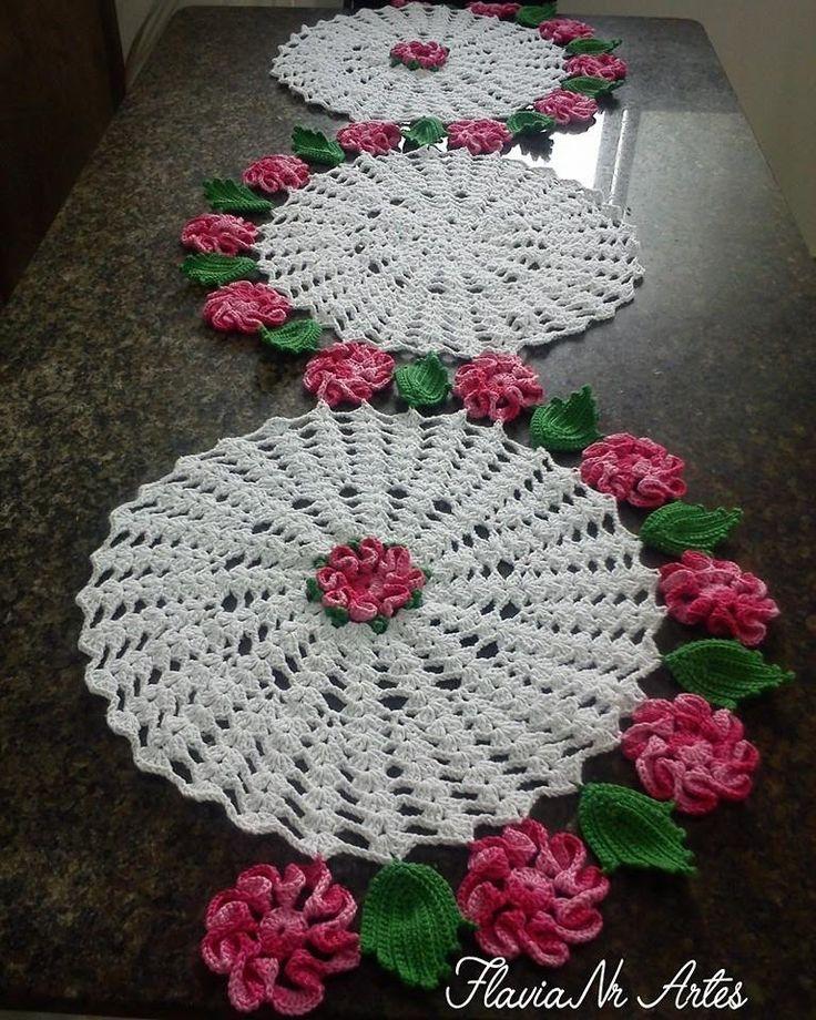 Caminho de mesa floral em S
