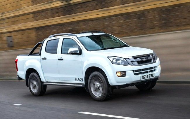 2017 Isuzu D-Max highway white color