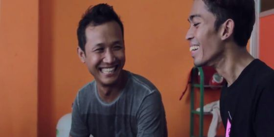Gay couples in Myanmar: love at any cost