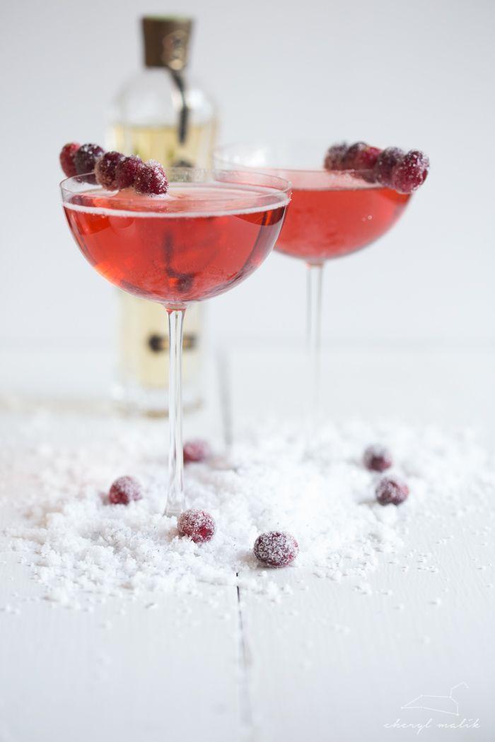 cranberry-elderflower champagne sparkler