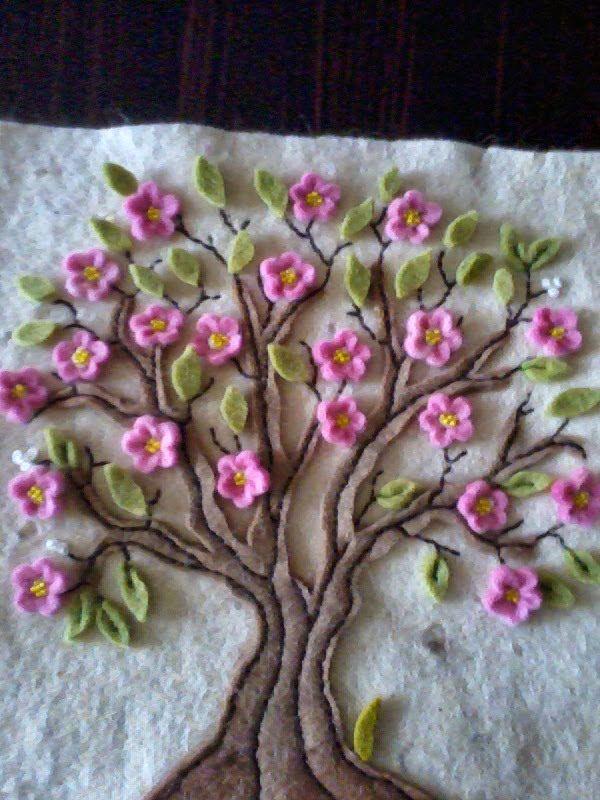 Felt tree-Sümbül Eldek