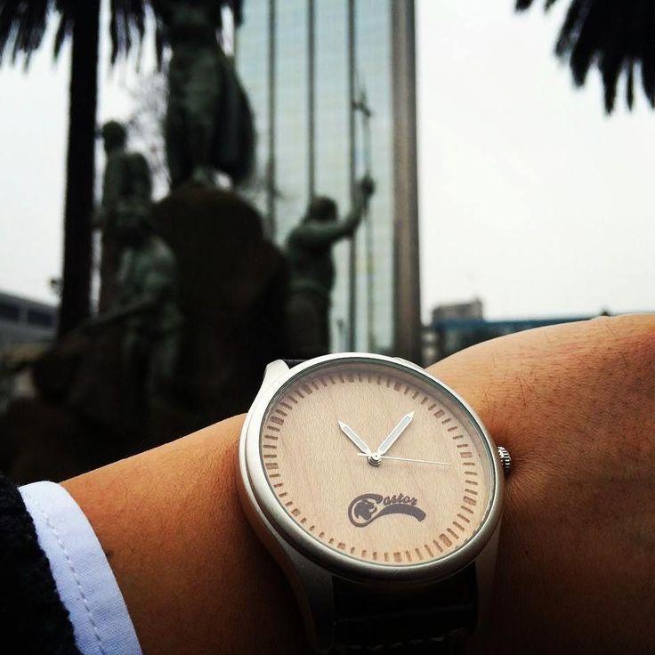 Dual Premium en #temuco un excelente regalo . Un reloj innovador que combina la madera el metal y el cuero. Ven por el tuyo en www.castor-watches.com  Envío gratis en todo #chile Whatsapp: 56994033705  Gentileza de Alejandra Oviedo #castorwatches #relojesdemadera #reloj #relojes #watch #watches #woodenwatches #accesorios
