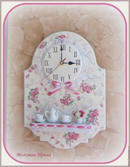 """Часы для дома ручной работы. Ярмарка Мастеров - ручная работа. Купить Часы панно с полочкой """"Милые розочки 2"""". Handmade."""
