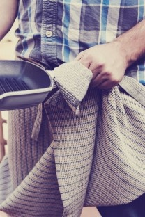 The Man Cloth/Apron. For the ladies who are tired of their men ruining their white tea towels. This cloth is dedicated just to him!