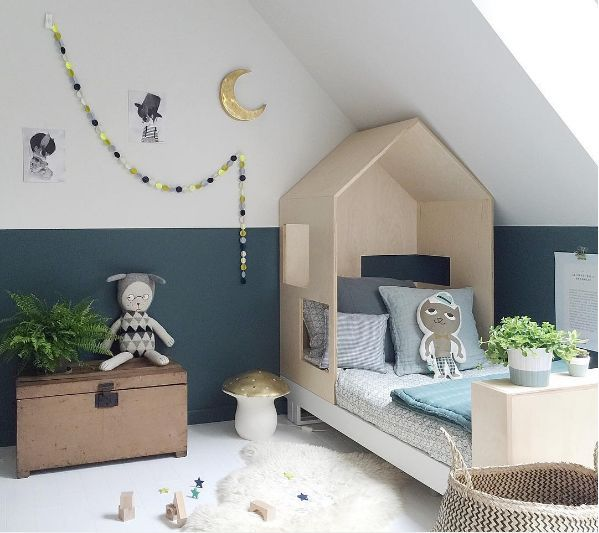 How lovely is that? Let you kids play in style with this super cool playroom
