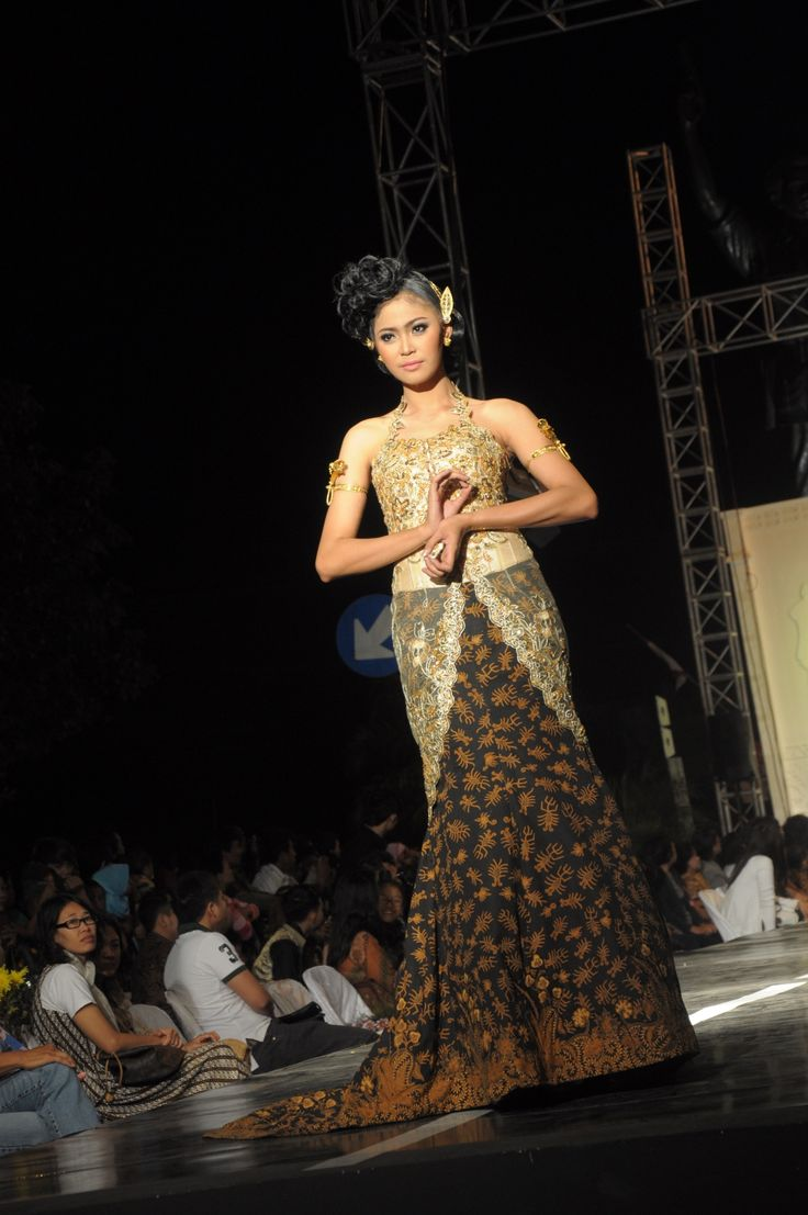 solo-batik-fashion-2012