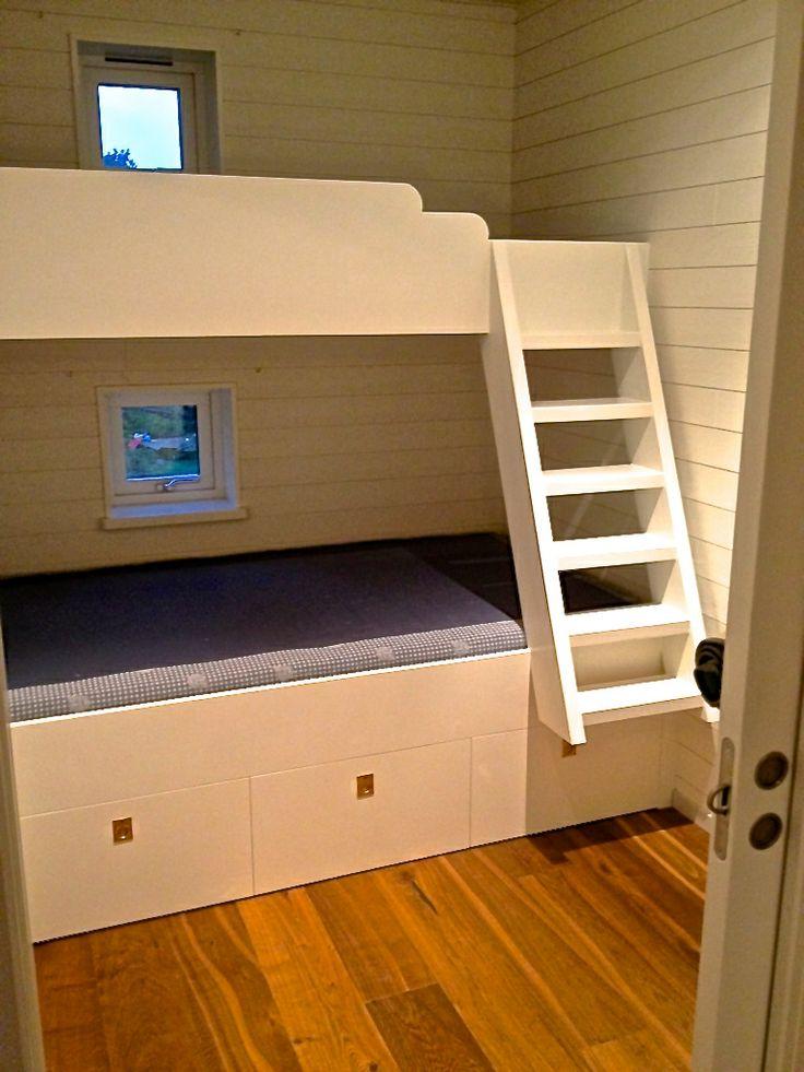 För maximal förvaring av både barn och grejer! Specialritad våningssäng  #hitta hem#  #hittahemistockholm# #förvaring#