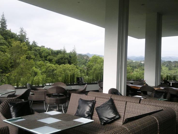 Padma Hotel, Bandung, INDONESIA / Kerry Hill Architects