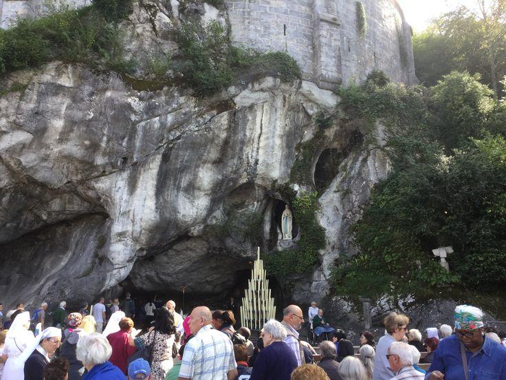 La virgen de Lourdes -Francia