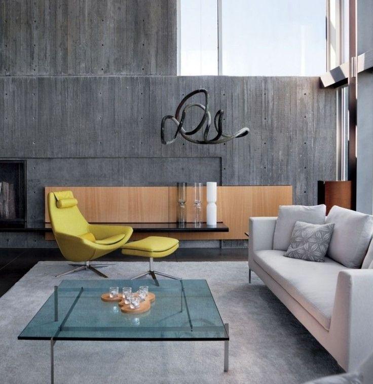 salon contemporain avec mur de bton expos panneau mural en bois table basse en