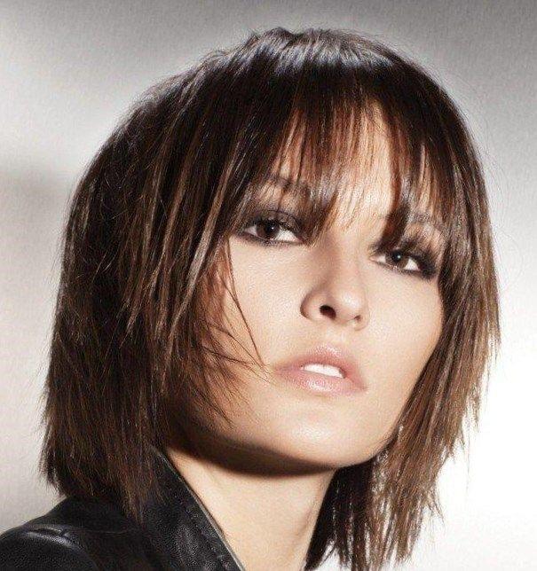 17 best ideas about Coupe Cheveux Mi Court on Pinterest | Coiffure ...