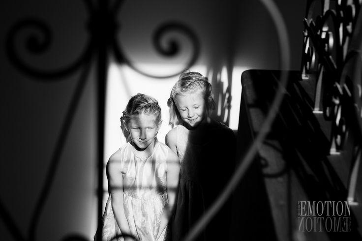 Fotografování dětí v exteriérech. Focení dětí doma patří k přirozeným a uvolněným fotografiím.