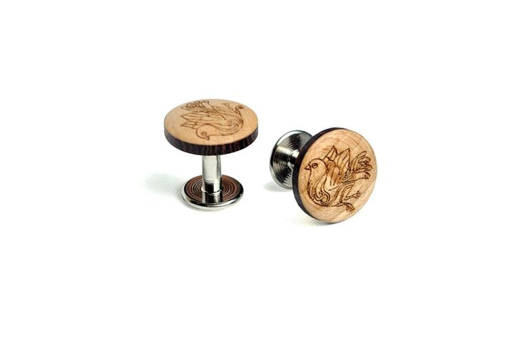 Ave Cufflinks SS'2017. The wooden cufflinks are a subtle accessory that underlines your sense of precision.