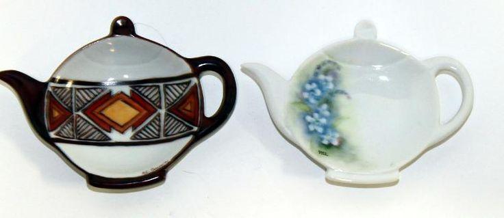 I T E M -- Vintage set of three tea pot shaped tea bag holders