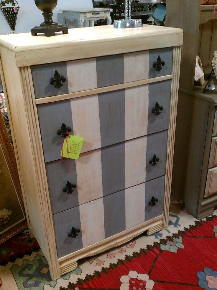 Annie Sloan Chalk Paint Furniture | Chalk Paint® decorative paint by Annie Sloan | Furniture Makeovers