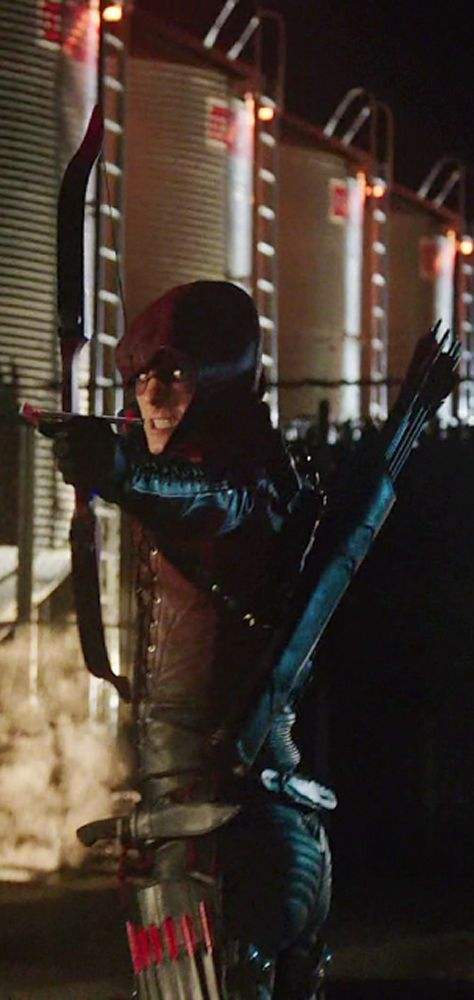 Arrow - Roy Harper as Arsenal