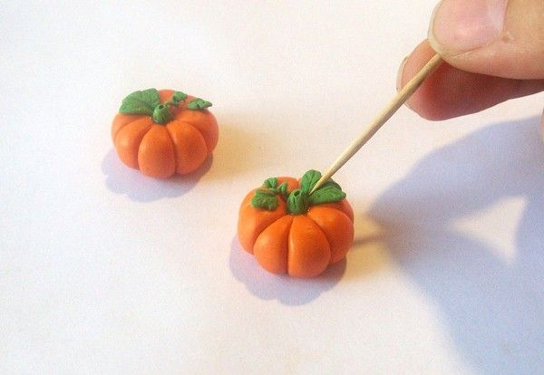 Polymer clay pumpkins tutorial