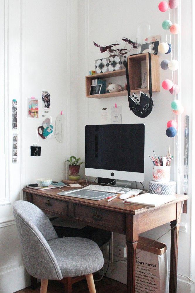Super jolie chaise de salon esprit scandinav, détournée dans un bureau d'un autre style pour un rendu décalé !