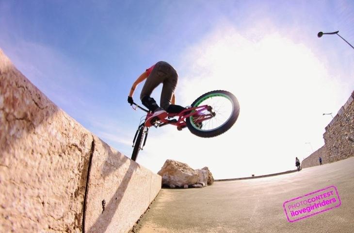 Love the Ride - Rider : Susana Martins - Photo: Rui Perez | VOTE » www.ilovegirlriders.com/en/photo-contest-spring - #ilovegirlriders #iamagirlrider #ilgr #girlriders #photocontest #photo #contest #mtb #cycling #downhill #road #bmx
