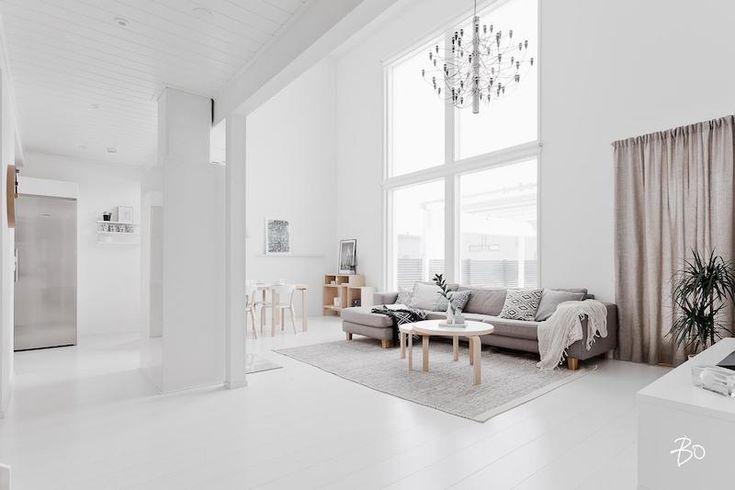 Skandinaavisen moderni koti kylpee valossa   Sisustusblogi