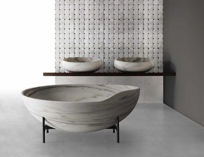 Kora Bathtub |  view details on www.treniq.com