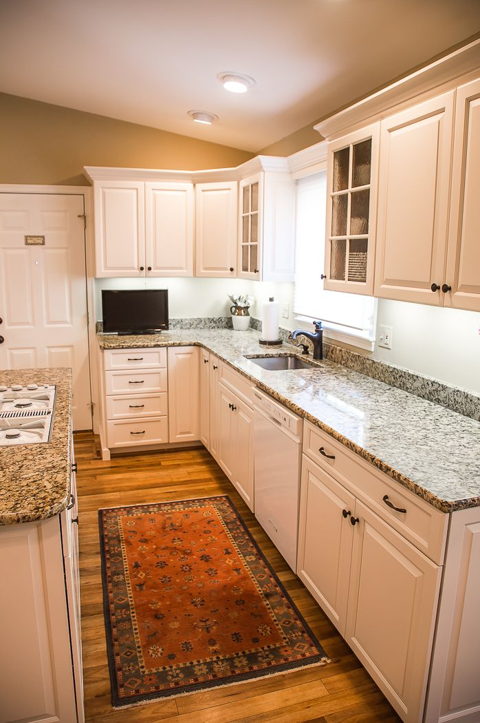 This Kitchen Started Off With Some Structural Renewal Work To A Couple  Cabinets, Before It Wass Fully Refaced By Kitchen Saver.